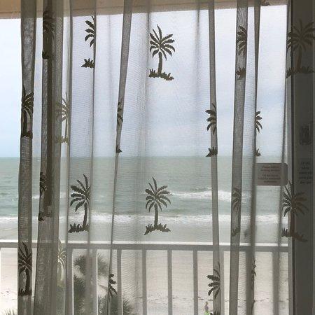 Doubletree Beach Resort by Hilton Tampa Bay / North Redington Beach: Balcony