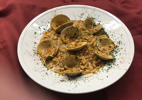 Liverpool, NY: Linquini and Clams