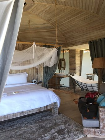 ทรีเฮาส์วิลล่าส์: Inside Treehouse Villa
