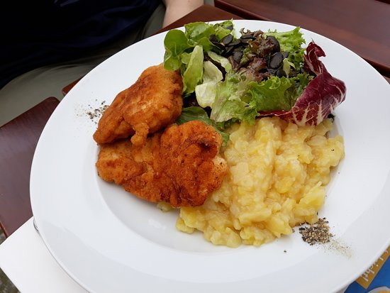 Gasthof Alte Post: steirischer Backhendlsalat