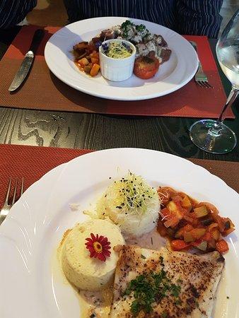Itteville, Prancis: Magnifiques assiettes et c'est vraiment aussi bon que beau
