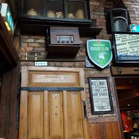Geary's Bar: photo5.jpg