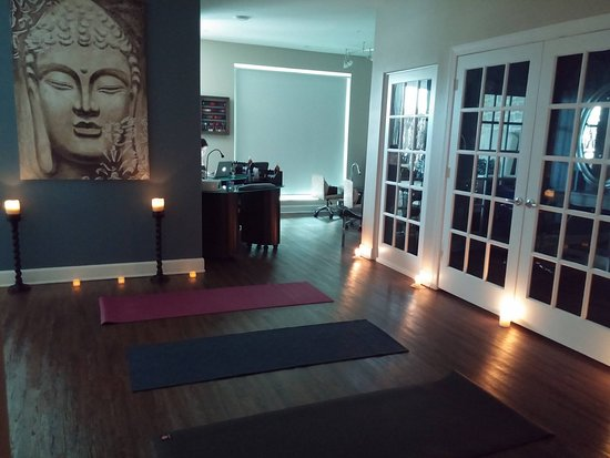 Windermere, FL: Join us for Candlelight Yoga- Every Wednesday at 730pm