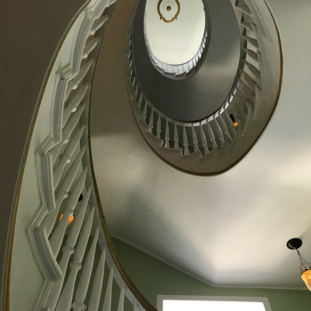 foto de the dude berlin mitte berl n elegant stairway at the dude berlin mitte tripadvisor. Black Bedroom Furniture Sets. Home Design Ideas