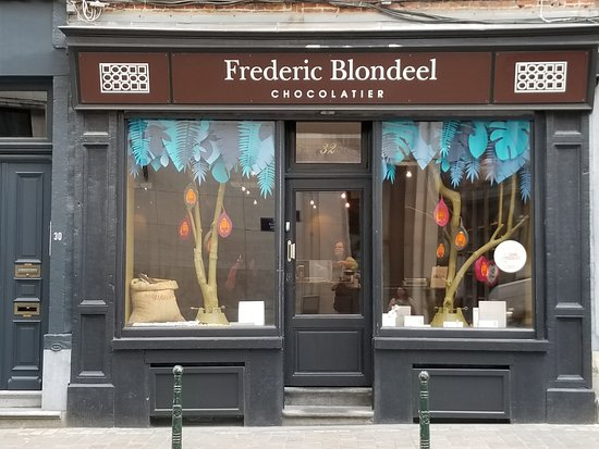 Frederic Blondeel: Front of Store