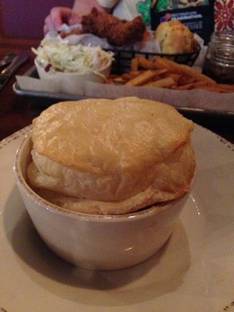 Myrtle's Chicken + Beer : Chicken pot pie