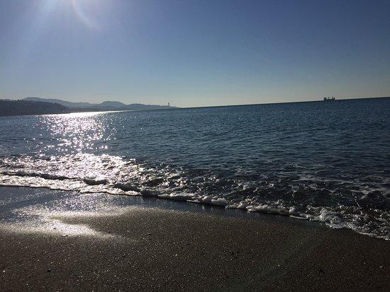 Playa de La Malagueta: Uitzicht op zee bij zonsopgang (9u)
