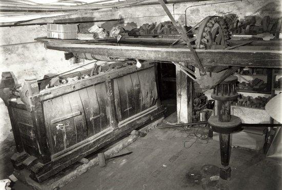 Gambettola, Italia: Mangano del 1826 presente nella bottega e ancora funzionante