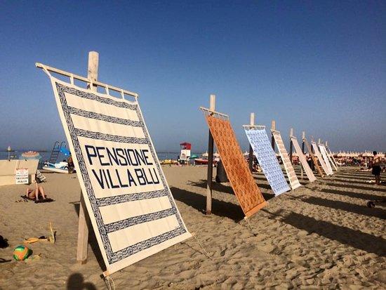 Gambettola, Italy: Mostra di tende da spiaggia realizzate per Cesenatico