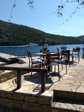 Sivota, Greece: Liotrivi Cafe/Gallery