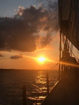 Yorktown, VA: Sunset Cruise