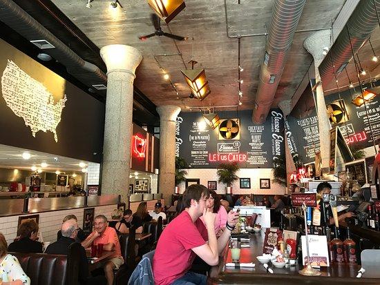 Eleven City Diner: Inside a 70's diner!