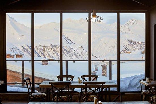 Gudauri Hotel Loft Restaurant Morning View