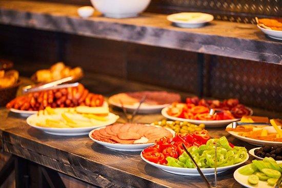 Gudauri Hotel Loft Restaurant Breakfast