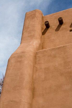 Rosewood Inn of the Anasazi: Exterior