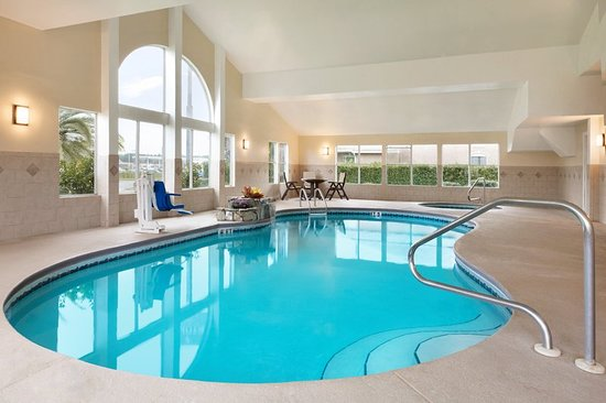 Country Inn & Suites by Radisson, Kingsland, GA : Pool