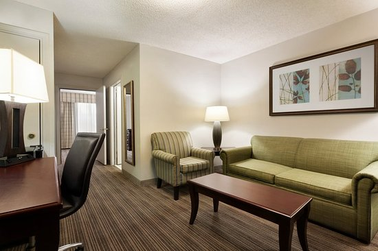 Country Inn & Suites by Radisson, Kingsland, GA : Suite