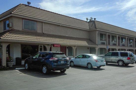 Gilroy, CA: Exterior