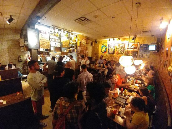 Burger Joint cramped dining area - NYC (08/Jun/18).