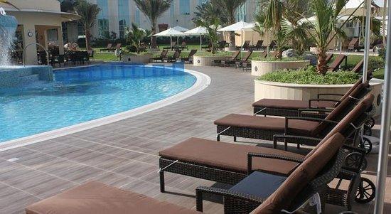 Millennium airport hotel dubai 75 8 3 updated 2018 - Dubai airport swimming pool price ...
