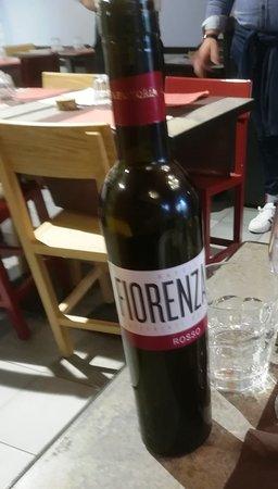 Fiorenzano: Il vino locale