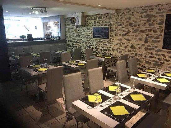 Lozanne, Frankreich: L'arrière de salle