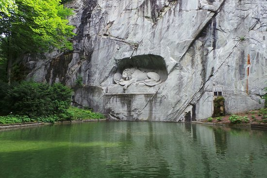 Monumen Singa Mati Lucerne