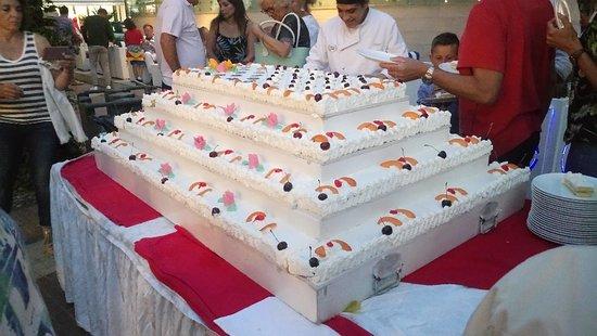Hotel Lido: Una super torta per la serata di gala