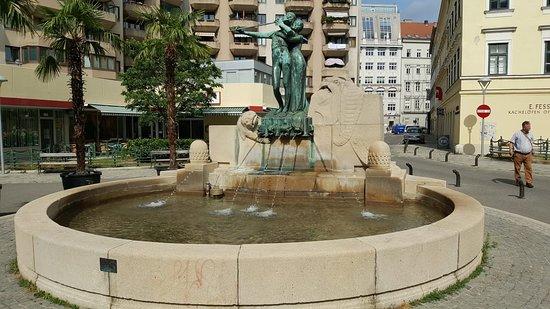 Mozartbrunnen
