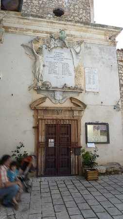 Санто-Стефано-ди-Сессаньо, Италия: Chiesa Madre di Santo Stefano di Sessanio...