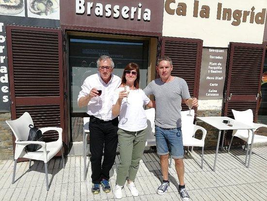 Canyelles, Spain: Disfrutando de un maravilloso desayuno en una inmejorable compañia