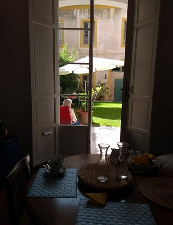 Relais Sassetti Bed and Breakfast: View from living room/breakfast area