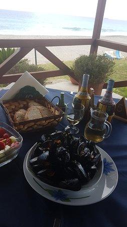 Monasterace Marina, Itália: Ottimo cibo camerieri più che simpatici prezzi ottimi confronto alla qualità..... dimenticavo lo