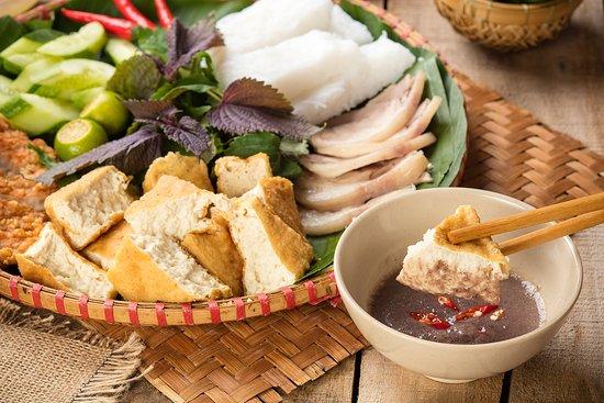 Miếng đậu hũ đặc thơm được chiên nóng hổi, chấm mắm tôm chuẩn Bắc, trọn vẹn  vị ngon của Bún đậu - Foto di Dau Homemade, Ho Chi Minh (città) -  Tripadvisor