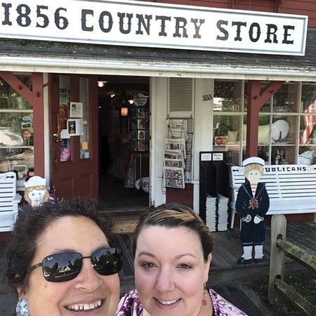 Foto de 1856 Country Store