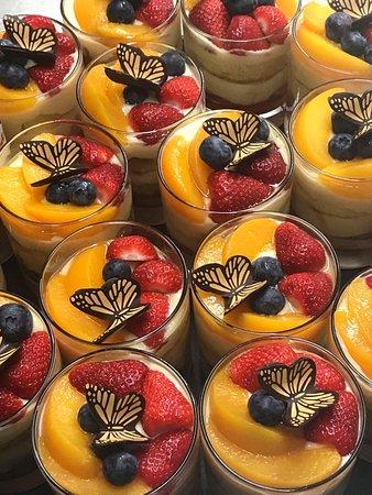 Il Kartell Restaurant: Home Made Dessert - Fruit Flans