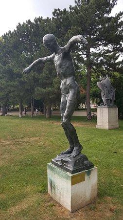 """Skulptur """"Der letzte Mensch"""""""