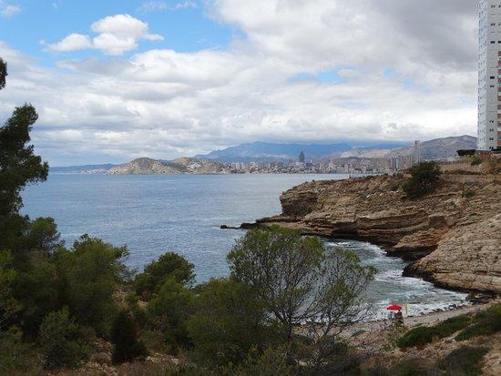 La Cruz de Benidorm: Half way up the mountain