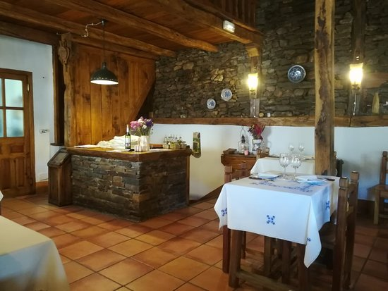 Valverde de los Arroyos, Spain: Restaurante Meson Los Cantos