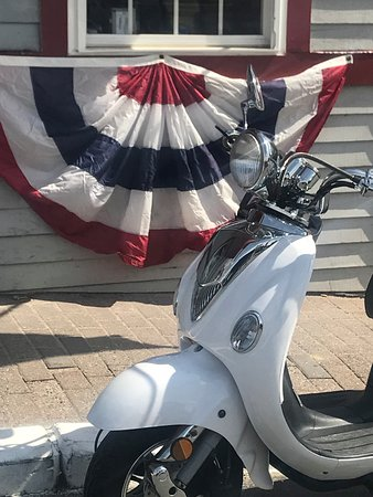 Coastal Maine Scooter Rentals: Memorial Day Weekend in Kennebunkport!