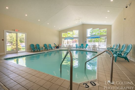 Somerset Inn & Suites: Indoor Pool