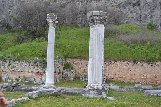 Filippi Archaeological Site: Well preserved marble columns