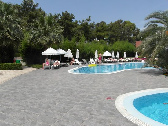 Barut Hemera: Quiet pool