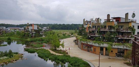 Villages Nature Paris: Vue sur un axe principal (Ilot de la Terre VIP)