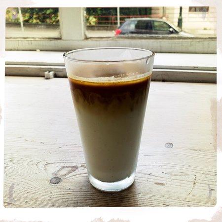 I Need Coffee照片