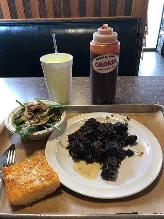 Smokee Mo's Arnold BBQ: Burnt Ends, Spinach Salad, Garlic Cheese Bread.