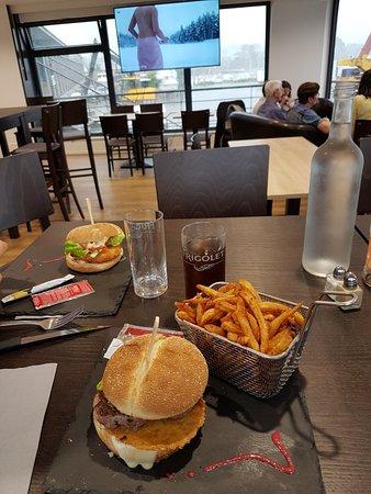 Lanildut, France: Burger du samedi 😊😊😊