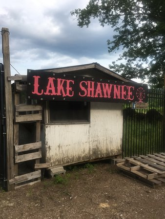 ‪Lake Shawnee Abandoned Amusement Park‬