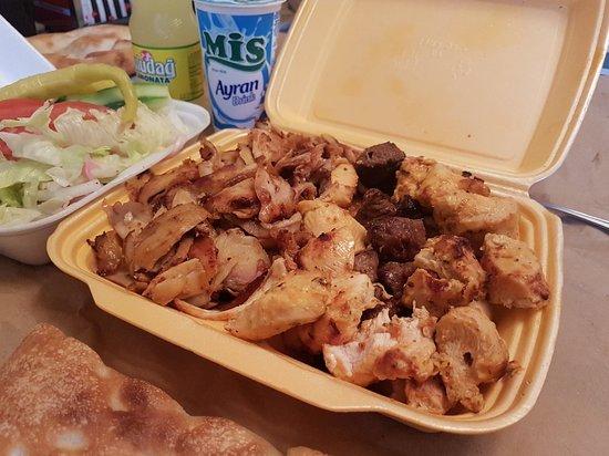 Woodley, UK: Mix kebab amazing taste