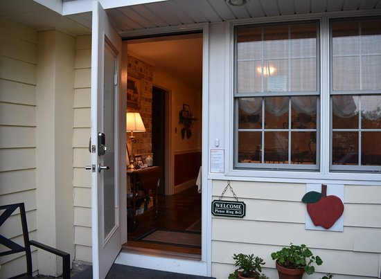 Willow Street, PA: Guest Entrance